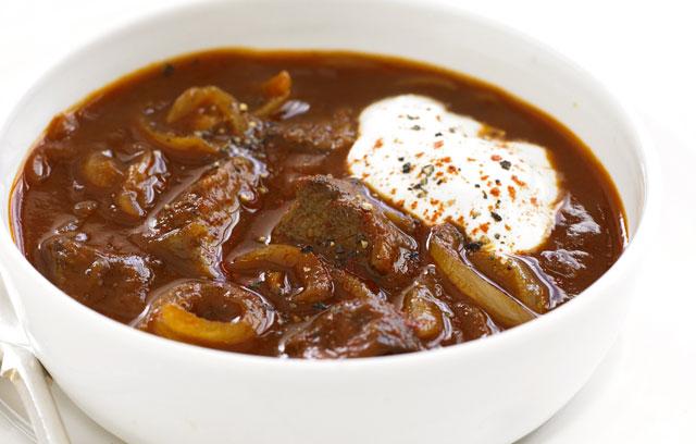 Венгерский суп гуляш фото